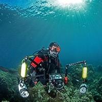 plongeur photographe sous-marin